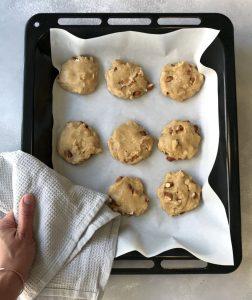 galletas de almendras salidas del horno